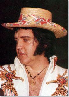 Elvis-in Concert with hat