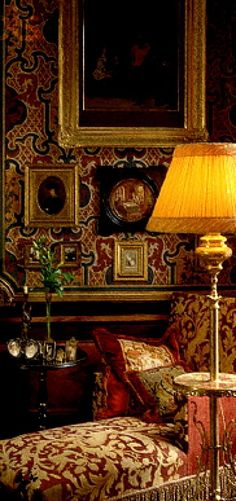 old world style with rich textile sitting room library English Country Cottages, English Country Style, Town And Country, Country Decor, English Countryside, English Interior, English Decor, Victorian Interiors, Victorian Homes