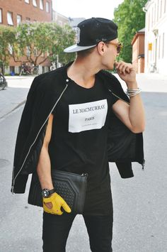 Monde Des Hommes - Menswear Archive - I love the all black outfit paired w/ a pop of color. Especially that mustard yellow glove.