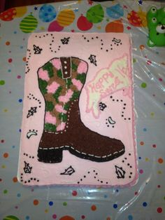 Camo cowgirl boot cake.