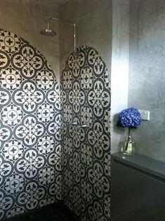 Love that tiles shower! Downstairs Bathroom, Moorish, Wood Design, Powder Room, Shower Tiles, Interior Design, Cement, Floors, Nest