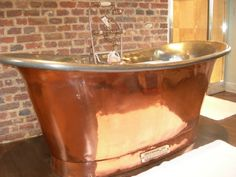 Chadder & Co's hand made Royal Copper bath tub. This quality Copper bath is hand made and finished in England. Available in many sizes and finishes this.#copper #copperbath #copperbathtub #copperbathroom #copperbaths #chadder #chadderbaths #chadderandco #love #luxury #luxurybath #interior #design #interiordesign #decorex #decorex #luxurybath #bath #tub #tap #faucet #chadder #antique #antiquebath #taps#industrial #industrialtap #industrialstyle #industrialfaucet #antiquebrass