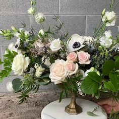 A little wedding flower video for your Friday! This is a 360 degree view of one of our centerpiece style for wedding reception tables. This is great for both round or . Hortensien Arrangements, Modern Flower Arrangements, Flower Arrangements For Funeral, Basket Flower Arrangements, Artificial Floral Arrangements, Artificial Flowers, French Flowers, Faux Flowers, Silk Flowers
