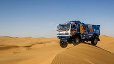 El ruso Andrey Karginov continúa volando en los camiones-Dakar 2020 Dirt Racing, Off Road Racing, 4x4 Off Road, Road Race Car, Race Cars, Pajero Off Road, Rally Dakar, Rally Raid, Trophy Truck