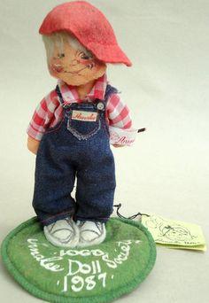 Vintage Annalee Doll Society 1987 Logo Kid Felt Sculpted Naughty Boy with Slingshot