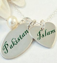 💚💙Aleza Khan💛💜Islam, my heart. And just beside it Pakistan. Pakistan Quotes, Pakistan Images, Pakistan Zindabad, Pakistan Fashion, Independence Day Pictures, Pakistan Independence Day, Pakistani Culture, Pakistani Girl, 14 August Wallpapers