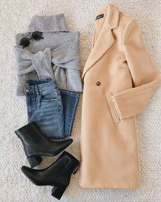 A classic tan trench coat outfit for chilly days. Keep cozy in this structured j. - A classic tan trench coat outfit for chilly days. Keep cozy in this structured jacket while looking - Winter Fashion Outfits, Fall Winter Outfits, Look Fashion, Autumn Winter Fashion, Stylish Winter Outfits, Swag Fashion, Casual Winter, Indie Fashion, Modest Fashion
