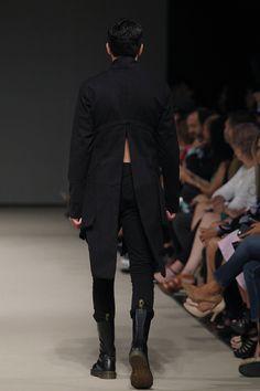 Lima Fashion Week | Omar Valladolid en LIFWeek OI'16 #Runway #Lima #fashion #men #women #men #runway #desfile #OmarValladolid #Otoño2016 #Invierno2016 #lifweek #Peru #LIFWeekOI16 #limafashionweek #PremioBarrington #Sastrería | LIFweek OI'16, Lima Fashion Week