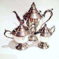 Art Deco Home, Tea Pots, Tableware, Dinnerware, Art Deco House, Tablewares, Tea Pot, Dishes, Place Settings