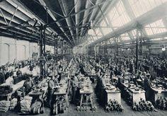 Georg Büxenstein & Co: AEG in Berlin – Produktion von Kleinmotoren, um 1900 © bpk/Georg Buxenstein & Co