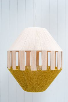 Lámpara tejida • Woven lamp • Pop & Scott