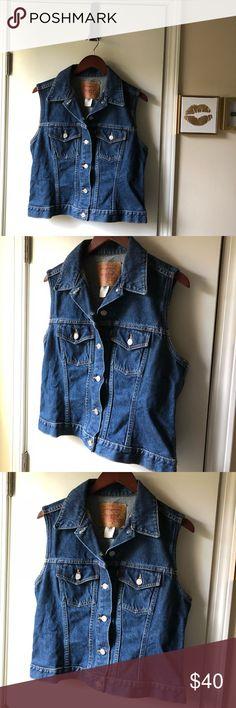 🌼Vintage Levi's denim vest 🌼 Vintage denim vest. Great condition. Size Large Misses. Smoke free home. No trades. Thanks for looking! Levi's Jackets & Coats Vests