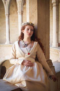 The White Queen by SomniumDantis.deviantart.com on @DeviantArt