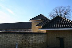 minckelers school  architect: W.M. Dudok