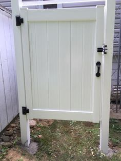 Liquid Sunshine 5 Ft. H X 4 Ft. W Vinyl Outdoor Shower Fence Stall Kit    Unassembled