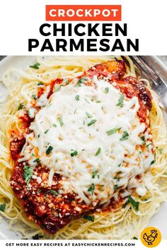 It's so effortless to make this delicious chicken parmesan recipe in the Crockpot. This family favorite is so delicious and tasty, just let your slow cooker do it's thing! Chicken Breast Recipes Slow Cooker, Chicken Parmesan Recipes, Easy Chicken Recipes, Slow Cooker Chicken, Crockpot Recipes, Cooking Recipes, Best Potato Soup, Slow Cooker Pressure Cooker, Italian Recipes