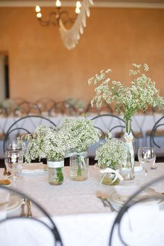 Simple DIY table centerpieces for the wedding reception