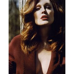 Vogue British Editorial Moore Than a Woman, July 2009 Shot #6 ❤ liked on Polyvore featuring people, julianne moore, editorials and sienna
