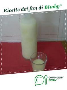 Crema di limoncello è un ricetta creata dall'utente elfettinagmail. Questa ricetta Bimby<sup>®</sup> potrebbe quindi non essere stata testata, la troverai nella categoria Bibite, liquori e bevande su www.ricettario-bimby.it, la Community Bimby<sup>®</sup>. Limoncello, Glass Of Milk, Drinks, Food, Drinking, Beverages, Essen, Drink, Meals