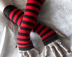 Items similar to On Candystripe Legs Arm Warmers - Striped Blood Red Black Cotton - Gothic Lolita Punk Vampire Dark Bellydance Emo Yoga Running Unisex Goth on Etsy Red Gloves, Long Gloves, Black Gloves, Other Outfits, Emo Outfits, Cute Outfits, Casual Cosplay, Mode Emo, Striped Gloves