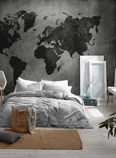 World map mural simons # Bedroom Murals, Room Ideas Bedroom, Home Decor Bedroom, Modern Bedroom, Decor Room, Minimalist Bedroom, World Map Mural, World Map Decor, World Map Bedroom