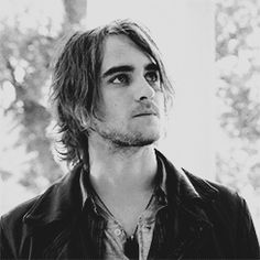 Started watching Hemlock Grove and have became kind of obsessed with Landon Liboiron.