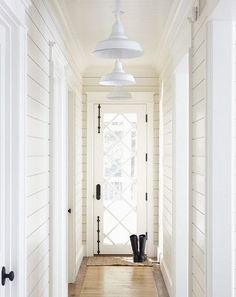 29 Stunning Urban Industrial Decor Designs For Your Urban Living Space white hallway white walls White Hallway, Hallway Walls, Entry Hallway, Hallways, White Walls, Hallway Ideas, Upstairs Hallway, Bright Hallway, Narrow Entryway