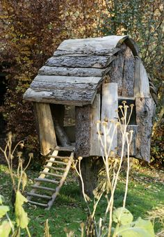 I loved playing in trees when I was a child as well as my wood playhouse. this would have been heaven!