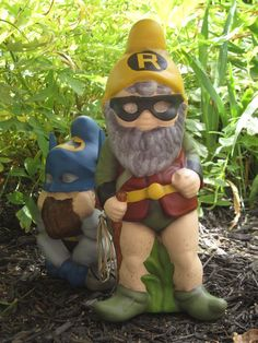 Instructables. How to turn garden gnomes into super gnomes!