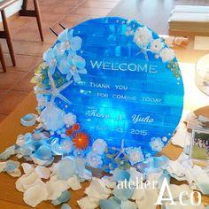 逆光の場所に置いたり、後ろにライトを置くとまた違った雰囲気を楽しめます。 #shrinkplastic #プラバン#プラ板#ブラバンアクセサリー#ウェルカムボード#結婚式#結婚#披露宴#wedding#welcomeboard#ハンドメイド#handmade#花#フラワー#flower#バラ#薔薇#ヒトデ#貝#スターフィッシュ#starfish#大人女子