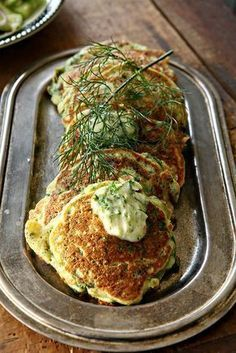 Green pancakes with lime butter (Ottolenghi) Veggie Recipes, Vegetarian Recipes, Cooking Recipes, Healthy Recipes, Ottolenghi Recipes, Yotam Ottolenghi, Ottolenghi Plenty, Brunch, Middle Eastern Recipes