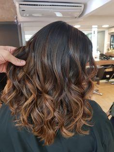 Morena Iluminada Toffee 🍯 By Brown Hair Balayage, Hair Color Balayage, Hair Highlights, Cabelo Ombre Hair, Baliage Hair, Hair Color For Black Hair, Hair Looks, Dyed Hair, Blond
