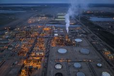 One of Canada's oldest oilsands projects won't reopen until oil cracks $50 mark  | Toronto Star