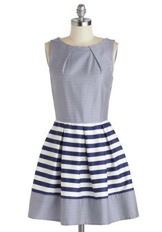 Stripes are always an easy way to add nautical flair to your look. The Shoreline Soiree Dress in Stripes is no exception! Take a tip from the ModStylists, and pair it with red flats and an ivory headband for a classic ensemble. Pretty Outfits, Pretty Dresses, Cute Outfits, Dresses For Work, Retro Vintage Dresses, Look Vintage, Nautical Fashion, Nautical Dress, Nautical Stripes