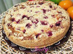Песочный пирог с вишней и творогом