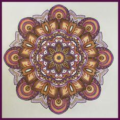 Mandala met prismacolor gekleurd