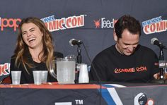 Matthew Rhys Photos Photos - Actors Keri Russell (L) and Matthew Rhys speak during 'The Americans' panel at Jacob Javitz Center on October 10, 2014 in New York City. - New York Comic-Con: Day 2