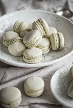 matcha macarons with matcha swiss meringue buttercream