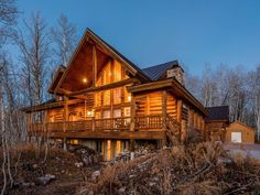 winter log home Cottages By The Sea, Cabins And Cottages, Retreat House, Jetted Tub, Lodge Style, Timber Frame Homes, Cabins In The Woods, Log Homes, Amazing Architecture