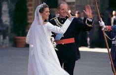 La infanta Cristina y el deportista olímpico Iñaki Urdangarín celebraron sus esponsales el 4 de octubre de 1997 en la catedral de Barcelona y en presencia de 1.500 invitados #royals #royalty