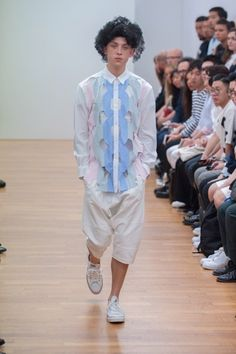 http://www.vogue.com/fashion-shows/spring-2016-menswear/comme-des-garcons-shirt/slideshow/collection