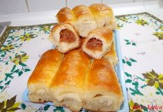 Omlós almás bukta Katicától Hot Dog Buns, Hot Dogs, Hungarian Recipes, Hungarian Food, Food To Make, Muffin, Bread, Pizza, Culture