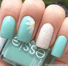 Flower spring nails