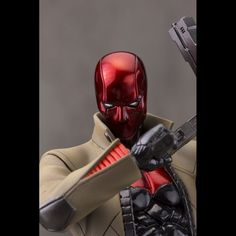 It's The DC Comics ArtFX+ Statues - New 52 Red Hood. Kotobukiya's ArtFX+ lineup of characters in the Batman Family appearing in DC Comics continues with the Red Hood ArtFX+ Statue! Batman Red Hood, Red Hood Jason Todd, Batman Universe, Dc Universe, Thing 1, New 52, Batman Family, Brown Jacket, Marvel Vs