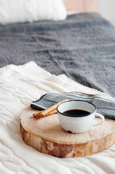 cool idea, log tray for in bed coffee
