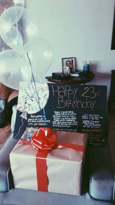 Birthday Surprise Boyfriend Diy About You 64 Ideas Birthday Balloon Surprise, Birthday Box, Birthday Crafts, Birthday Balloons, Birthday Ideas, Birthday Decorations, Birthday Souvenir, Teen Birthday, Birthday Pictures