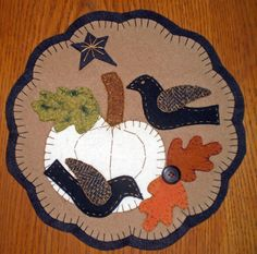 WHITE PUMPKIN and CROWS Penny Rug INSTANT DOWNLOAD E Pattern
