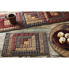 ideas for patchwork table runner pattern log cabins Patchwork Table Runner, Table Runner And Placemats, Table Runner Pattern, Quilted Table Runners, Log Cabin Quilt Pattern, Log Cabin Quilts, Log Cabin Patchwork, Log Cabins, Primitive Quilts