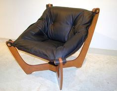 i enjoyed sitting in this at the walden galleria