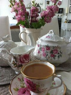 Tea:  Mismatched china with roses for #tea time.